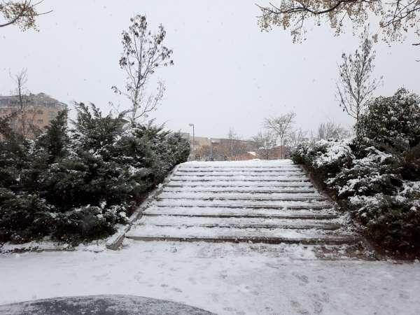 nieve en madrid 2021 escaleras