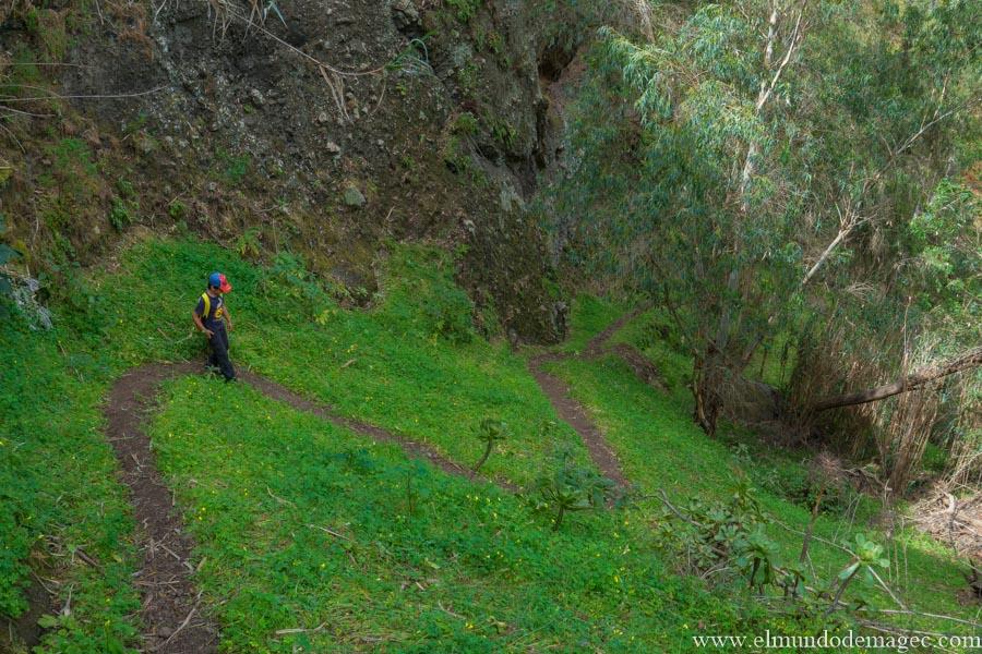 Bonito sendero descenso
