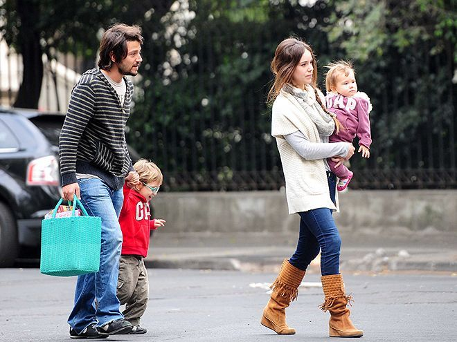 Diego-Luna-Camila-Sodi-day-out-with-kids
