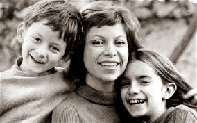 Isabel Allende e seus filhos