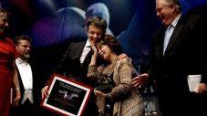 isabel-allende-recibe-premio-619x348
