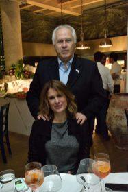 REST NOSTOS, Pie de Foto: Mario G—mez y Lizette Sagarena.