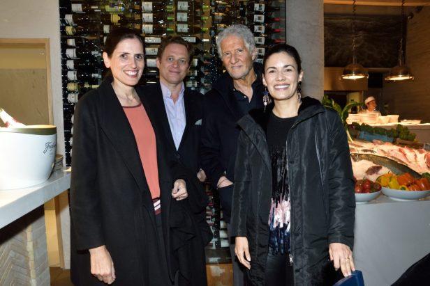 REST NOSTOS, Pie de Foto: Elodie Weil, Charles Lebreton con Joe y Constanza Slim