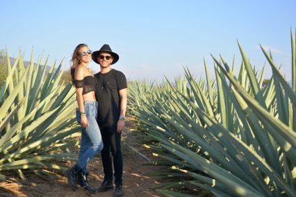 9 de marzo, Mezcal Amores Experience, Fiesta, Oaxaca, Oaxaca, Gaby Graf y Adrian Niño de Rivera, FOTO: Hildeliza Lozano
