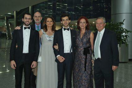 José Luis Fernández Jr., y José Luis Fernández, Rocío Fernández , Andrés Fernández con María y Juan Gómez.