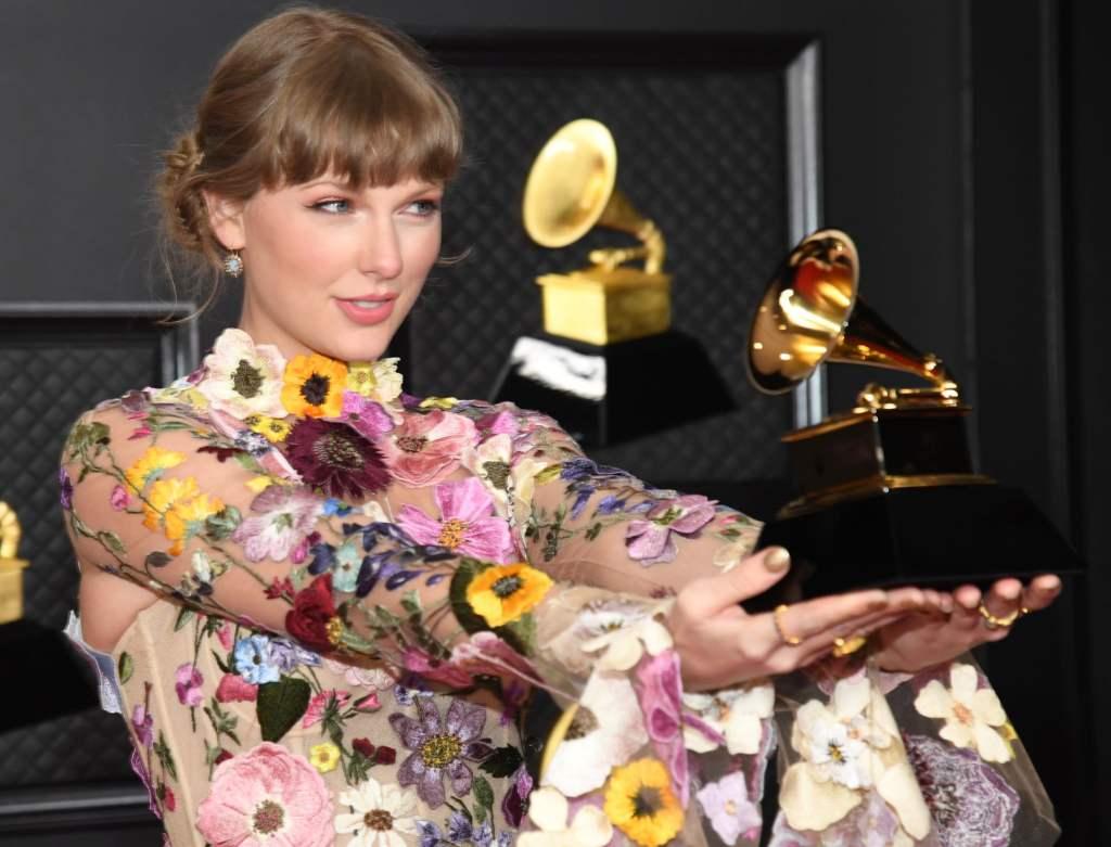 Taylor-Swift-Grammy-2021