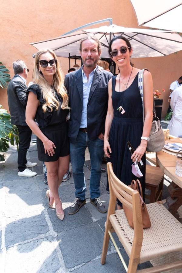 Catalina Buchanan, Eduardo Prieto y Ale Laviada en la comida por la inauguración de Zona Maco.