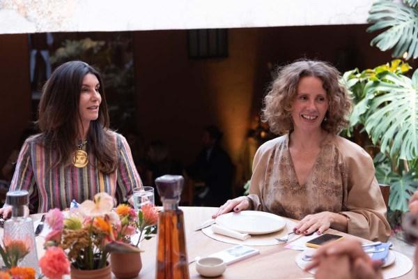 Gaby Garza y Monica Manzuto en la comida por la inauguración de Zona Maco.