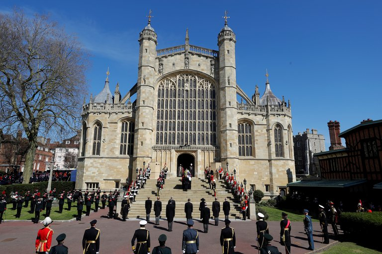 Llegada-féretro-príncipe-Felipe-Edimburgo