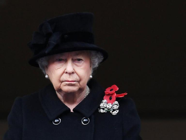 Reina-Isabel-trabajo