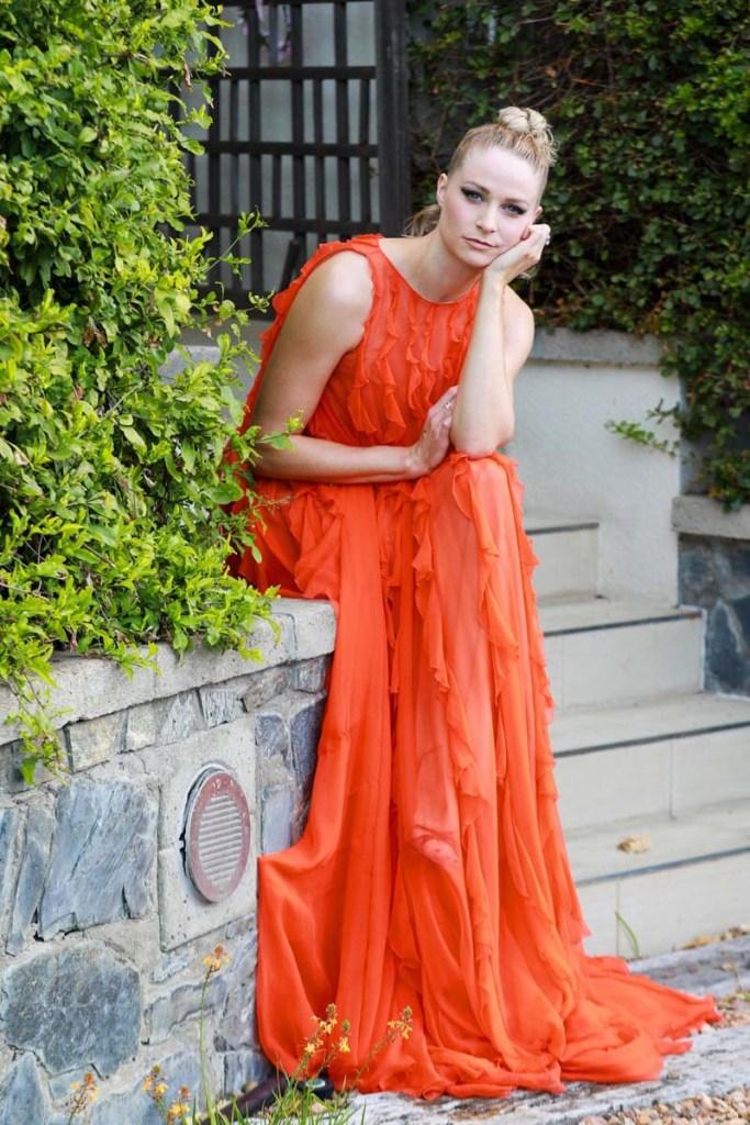 Bafta 20201: Niamh Algar en un vestido Valentino.