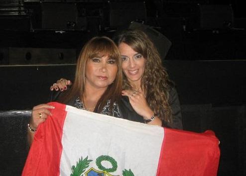 Eugenia Cabral con Imelda de Perú