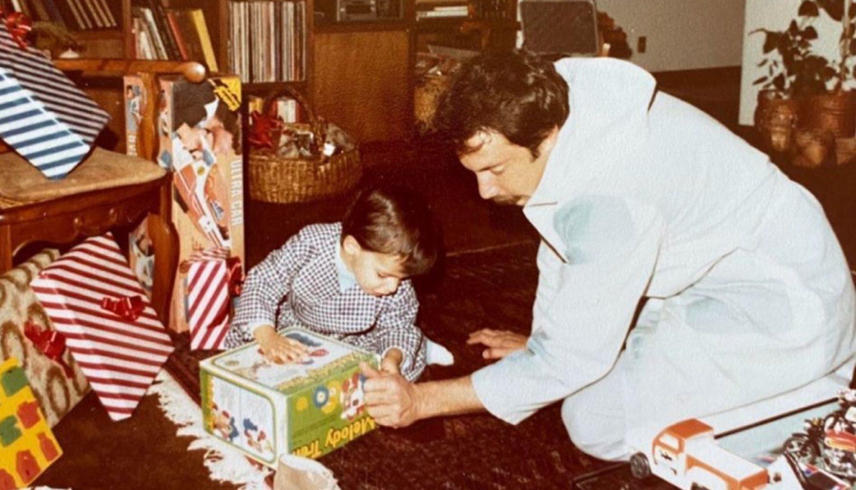 Enrique Hernández Pons con su padre