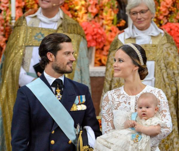 Carlos Felipe y Sofia en el bautizo de su hijo Alexander