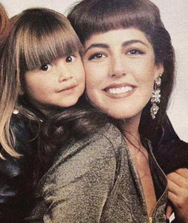 Michelle Salas y su madre Stephanie