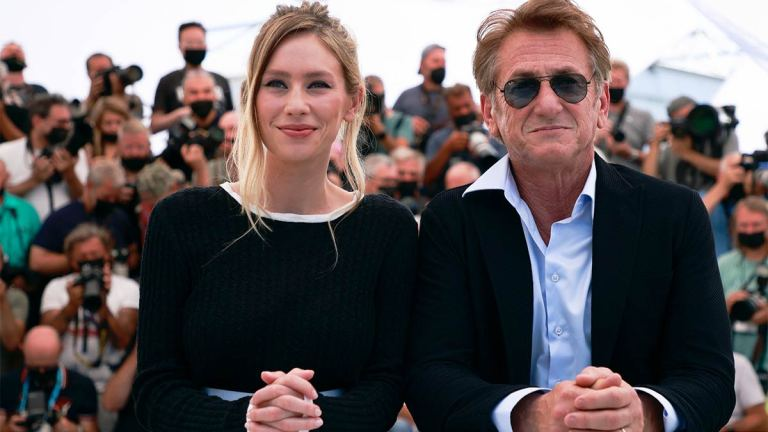Dylan-y-Sean-Penn-Cannes-2021