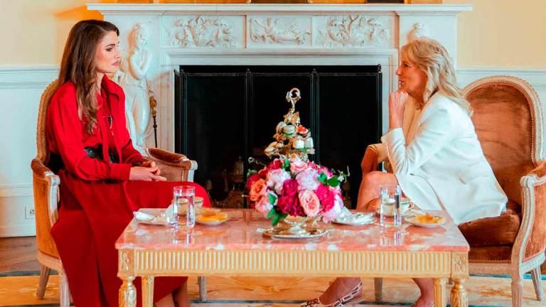 Rania-y-Jill-Biden-tomando-te