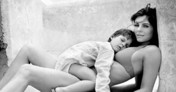 Liz Hurley con su hijo Damian