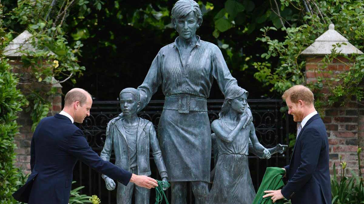 William-Harry-develacion-estatua-Diana