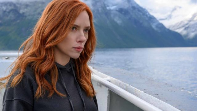 Scarlett Johansson demanda Disney