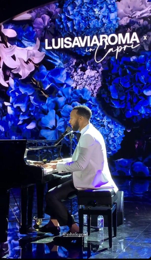 John Legend amenizó la noche junto a Katy Perry