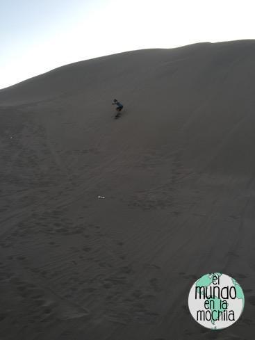 Peter-sandboard-elmundoenlamcohila-huacachina