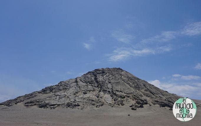 Montaña en las Huacas del Sol y de la Luna