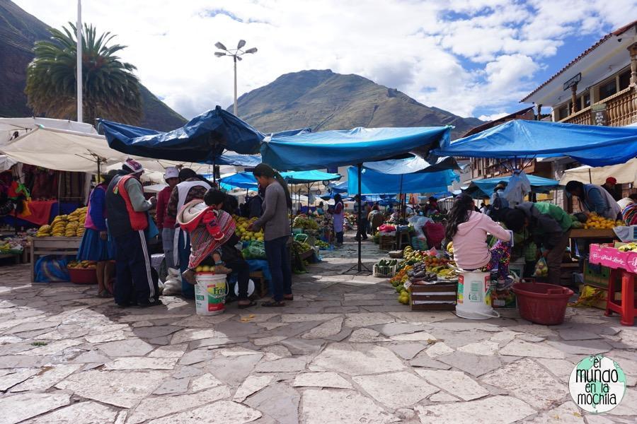 El mercado de Pisac a primera hora de la mañana todavía no está repleto y se puede visitar con más calma