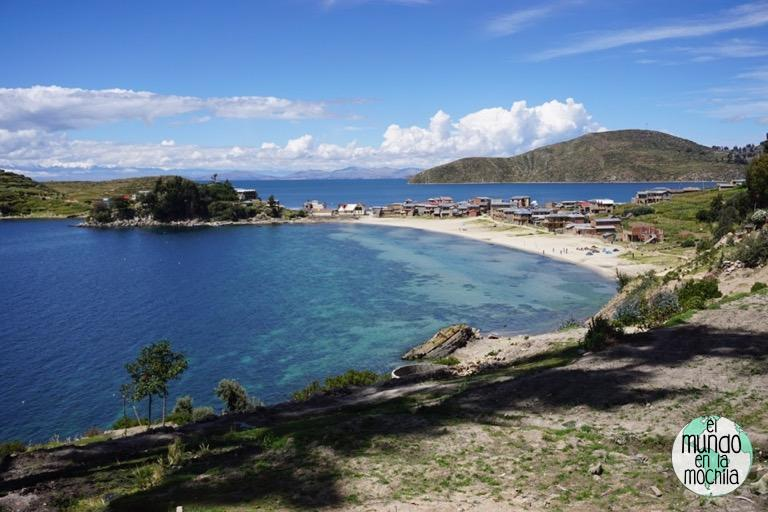una de las preciosas playas de la isla del sol
