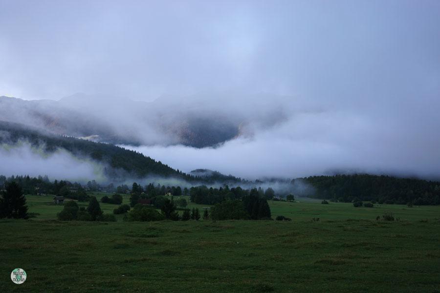 Paisaje de montaña en Eslovenia acampada libre