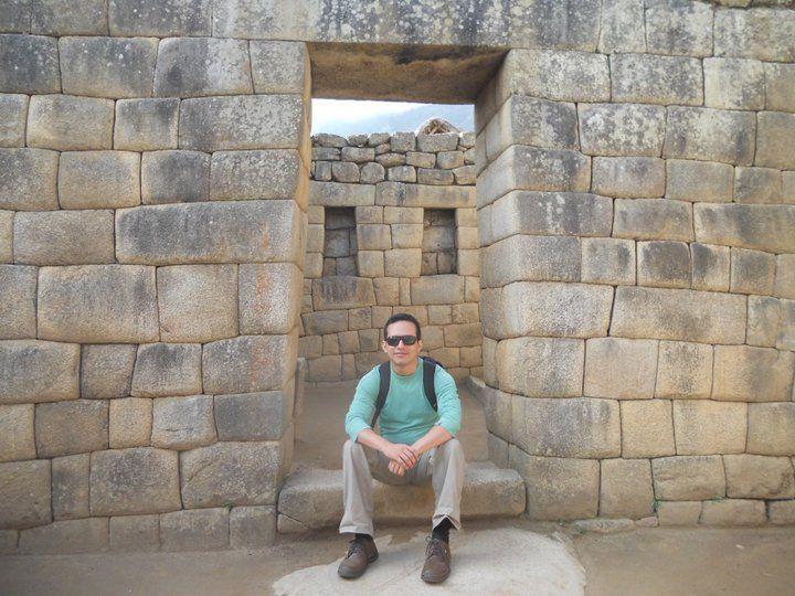 Bo Saldana en Machu Picchu, Perú - Autor de El Mundo Ok
