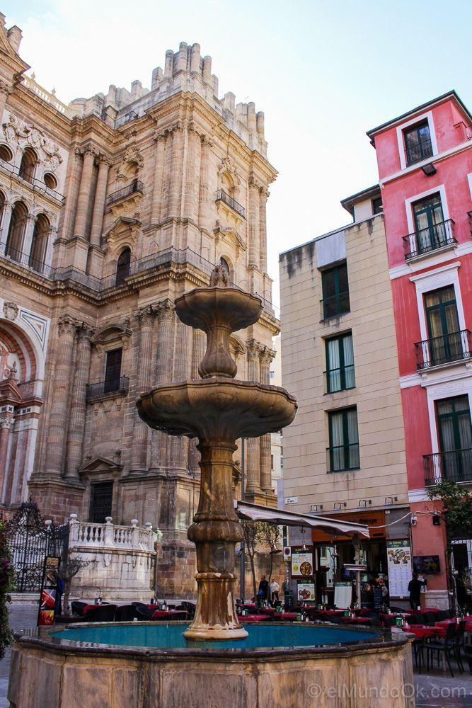 Plaza del Obispo frente a la Catedral de Málaga