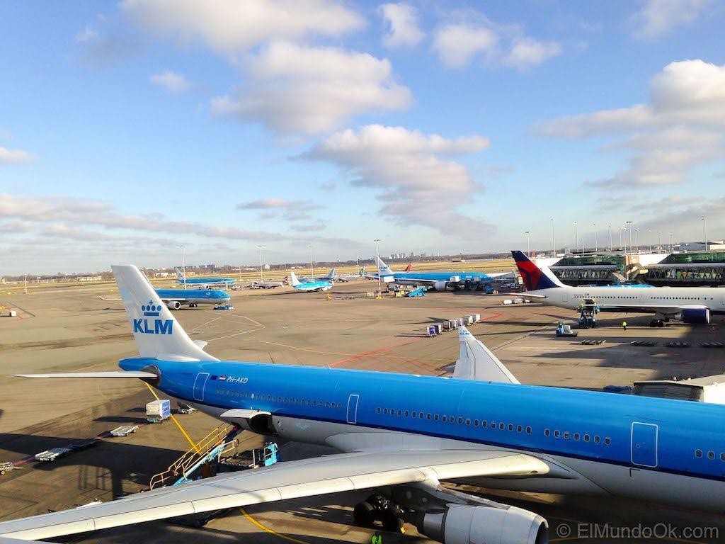 Vistas desde Panorama Terrace en el Aeropuerto de Amsterdam Schiphol.