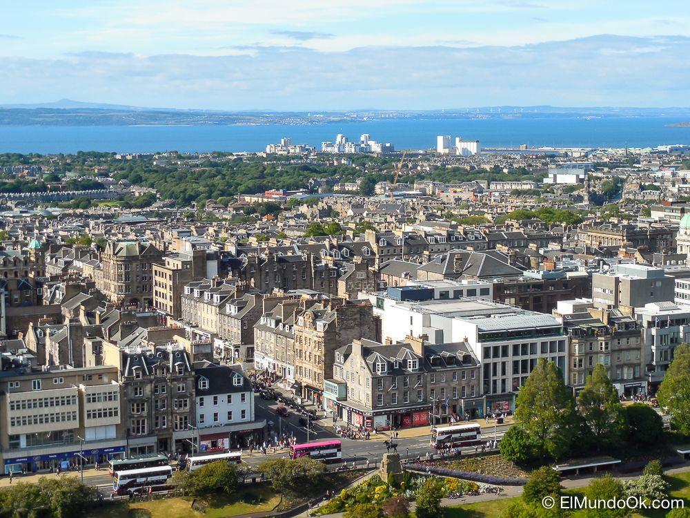 Vistas de la ciudad desde el Castillo de Edimburgo.