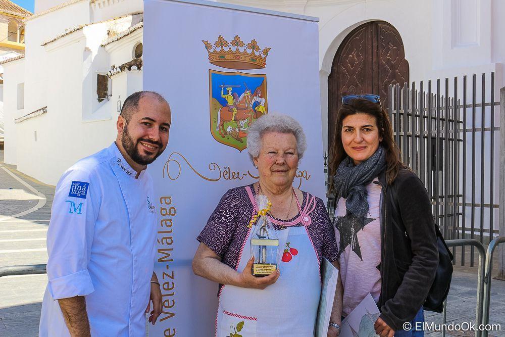"""Carmelina en el centro, ganadora del Concurso por el """"Día del Ajobacalao"""""""
