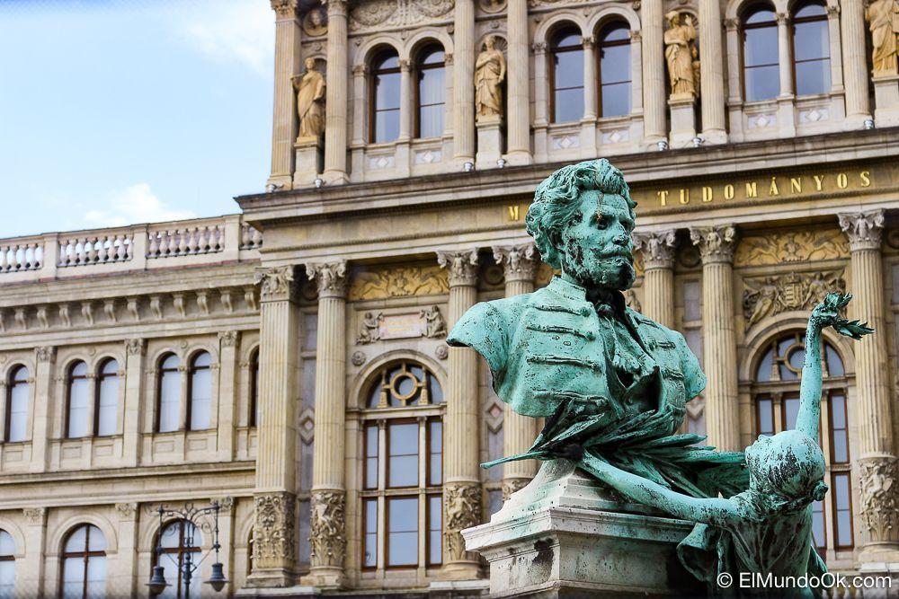 Arte por todos lados en Budapest.