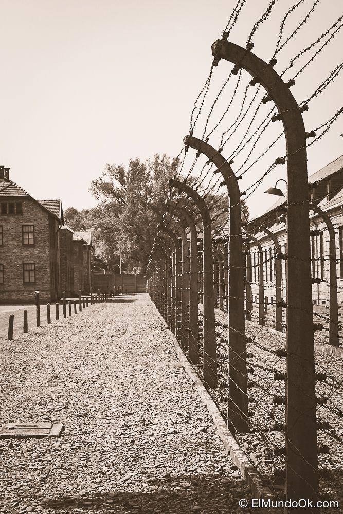 Cerco eléctrico en Auschwitz I.