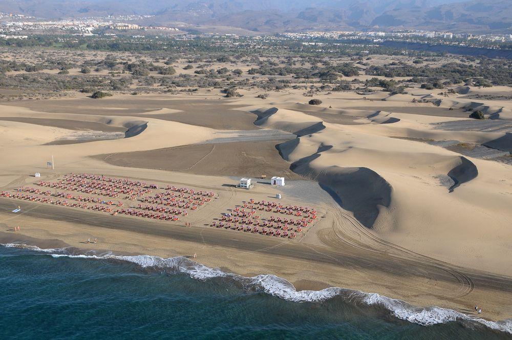 Las dunas de Maspalomas desde el aire. Islas Canarias.
