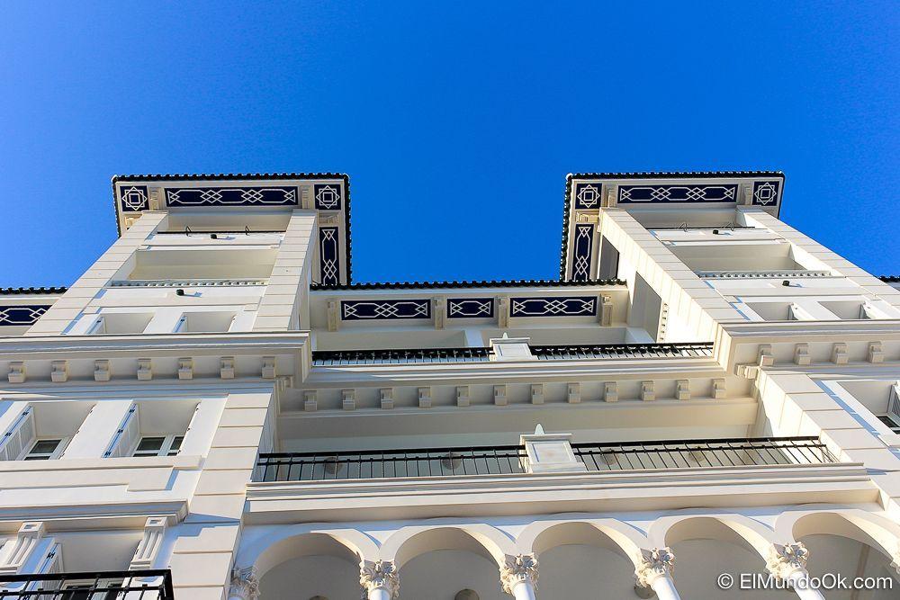 Detalles del edficio del Gran Hotel Miramar en Málaga.