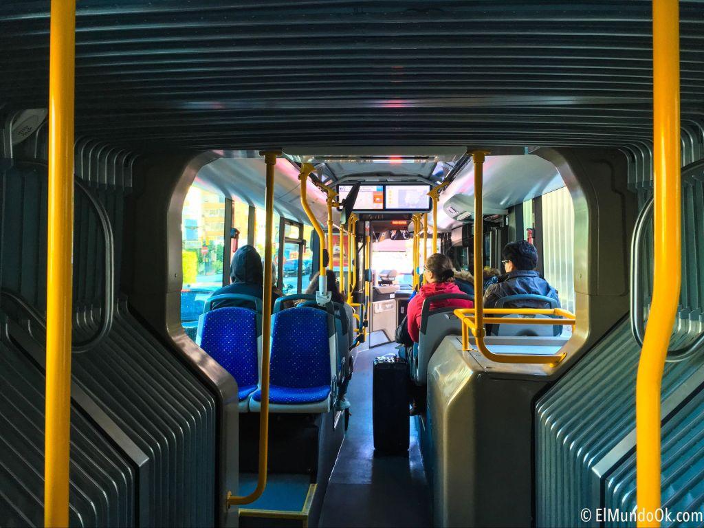 Interior autobús línea express A de la EMT Málaga.