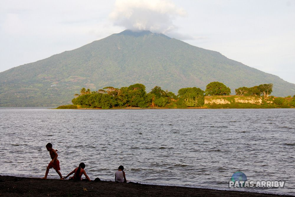 Playa Ometepe Volcán Maderas
