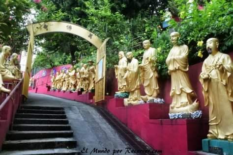 Subida al templo de los 10000 Budas