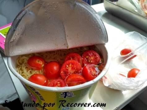 Noodle con tomatitos cherry