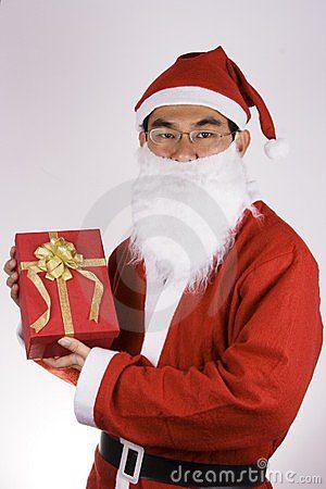 de-kerstman-die-een-heden-houdt-1596619