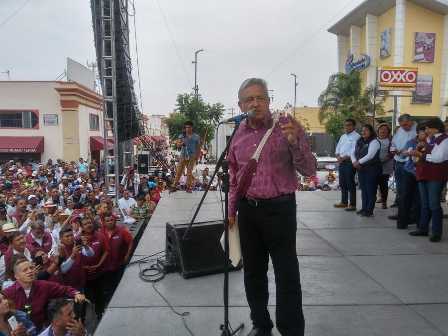 Yunes entregó a EPN los videos de la excandidata de MORENA en Veracruz: AMLO