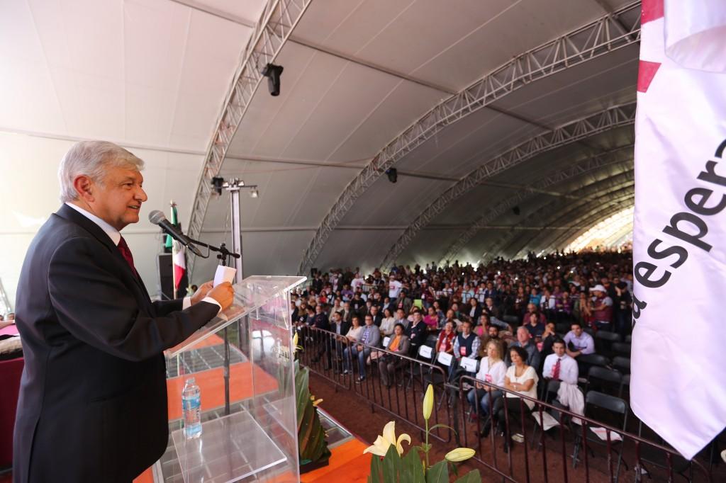 Morena va por la Presidencia y la mayoría del Congreso: AMLO