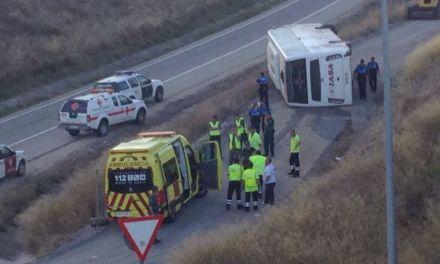 El autobús: ¿Cómo es que un vehículo que transporta a personas se quedó sin frenos? ¿No tendrán nada que ver los ajustes empresariales?
