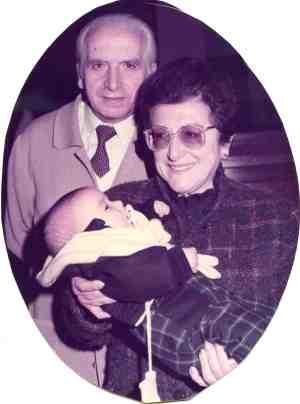 Con su mujer y nieto