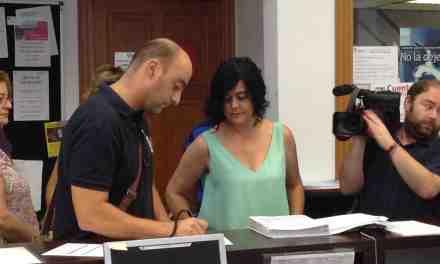 Comerciantes y hosteleros de Caravaca presentan 3.000 firmas contra la regulación de la zona azul