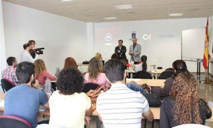 El Ayuntamiento de Caravaca forma en Comercio Exterior a 15 jóvenes caravaqueños mediante un programa de empleo
